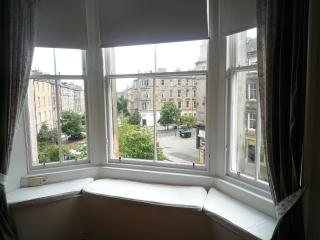 Montgomery: Spacious, quiet, central apartment, Edinburgh