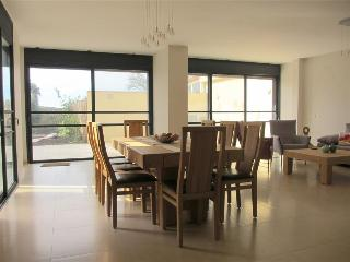 Beautiful Ramat Poleg Villa with Sea View - HN01K, Netanya