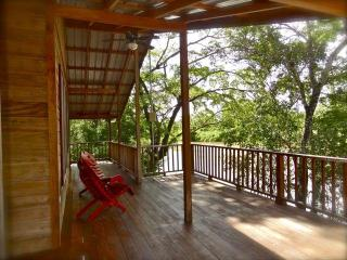 Romantic  Luxury Tree house Vacation rental, Burrell Boom