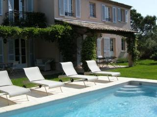 Lovely 4 Bedroom House with a Pool and Garden, St Tropez, St-Tropez