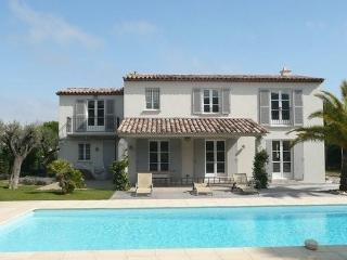 Luxury Saint Tropez 4 Bedroom Holiday Home with a Pool, Saint-Tropez