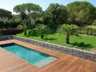 Great French Riviera Holiday Home with Pool, 5 Bedroom House in St Tropez, St-Tropez