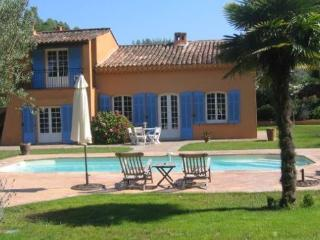 Amazing 4 Bedroom House with a Garden in St Tropez, St-Tropez