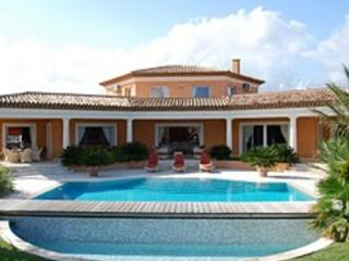 Fantastic French Riviera 4 Bedroom Vacation Rental with a Garden