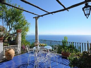 Dea, Amalfi