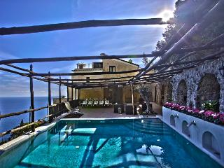 Divina, Amalfi