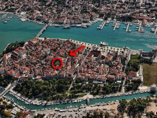 Borgoforte Apt Center, private terrace, Trogir