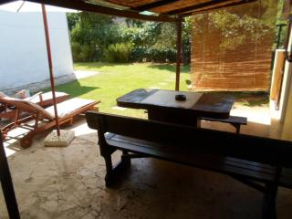 Big sunny terasse whit outside shower,grill,relaxing deck chairs only for you to use..