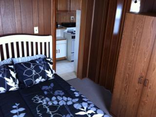 Cottage sleeps up to 4 people $585 week, North Wildwood