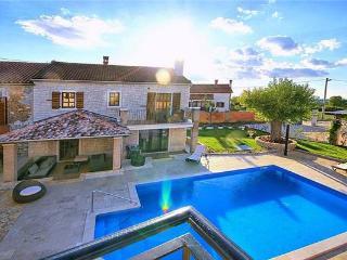 6 bedroom Villa in Sveti Lovrec, Istria, Sveti Lovrec, Croatia : ref 2375203