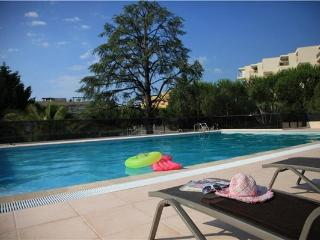 2 bedroom Apartment in CAGNES SUR MER, Cote D azur, France : ref 2100722, St-Laurent du Var
