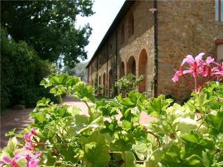 35813-Apartment Arezzo, Loro Ciuffenna