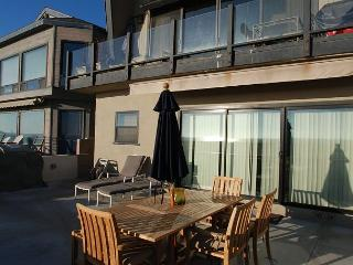 Oceanfront 3 Bedroom Lower Unit of a Duplex! Spacious Patio! (68284), Newport Beach