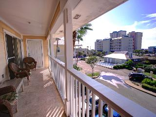St. Martin Beach Walk Villas 332-3BR- OPEN 10/1-10/3 $540! Balcony- Walk 2 Beach