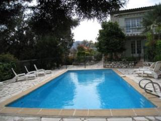 Villa Mer, Apt. III- Lovely French Riviera Vacation Rental with Balcony