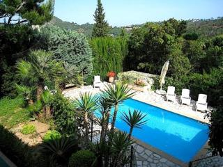 Villa Mer - Apt. I- Fantastic Vacation Home with Balcony and Garden, in Provence