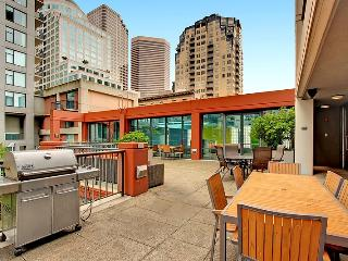 Authentic 1st Avenue Apartment by Stay Alfred, Seattle