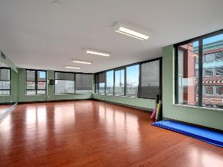 Stay Alfred Seattle Vacation Rentals Yoga Room