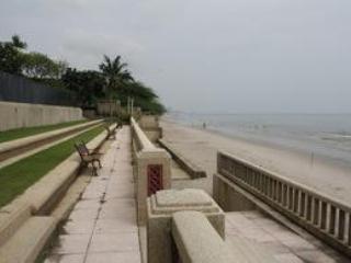 Palm Pavilion 2 bdrm beach condo