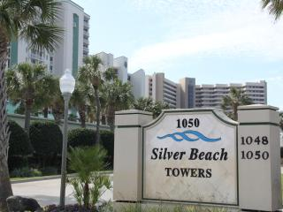 Exclusive Silver Beach Towers