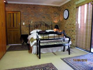 Pomegranate B+B  Rustic room and  Classic room, Vanderbijlpark