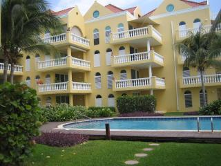 Luxurious two bedroom apartment Beau Rivage, Willemstad
