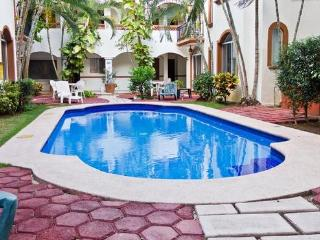 Cozy Condo Playa del Carmen Center by Supermarket