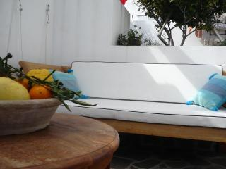 Naif double bedroom with private  bathroom + wifi, Lipari
