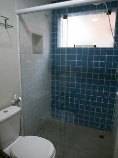 Ótimo banheiro -Toalhas são fornecidas pra sua comodidade.