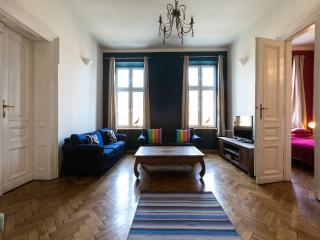 140sqm 3bdr 2 bth Stanislas Apartment in centre, Cracovia