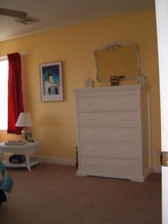 Upper Bedroom Queen - view 2