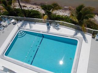 Escape to Paradise --2 bedroom oceanfront condo on Coco Plum