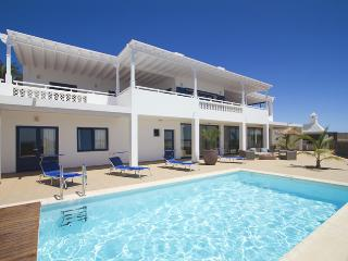 Villa Vellamo in Puerto Calero with Sea Views