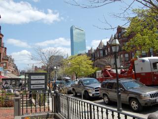 Back Bay Boston Furnished Apartment Rental - 304 Newbury Street Unit 5