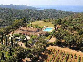Villa Levant, Luxury Rental with Great Views, Pool, and Private Tennis Court