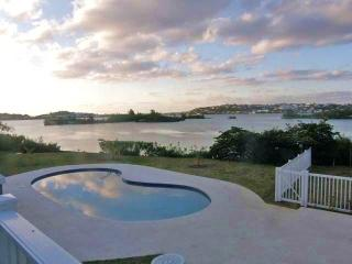 C66. Poolside Apartments overlooking the Sound, Bermuda