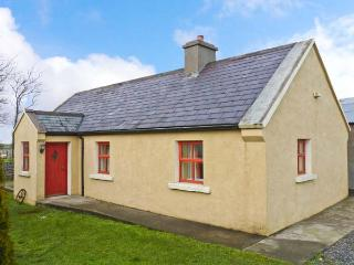 CAVAN HILL COTTAGE, single-storey detached cottage, multi-fuel stove, enclosed