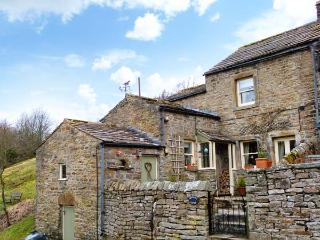 BROWN HILL COTTAGE, woodburning stove, close to pub and near to Reeth in Low Row, Ref 22378