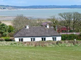AN SRUTHAN SAILE, near coast, open fire, off road parking, garden, in Ballycotto