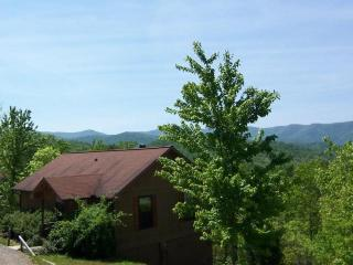 Laurel Mountain Cabins - the Dogwood  Cabin -GREAT LONG RANGE VIEWS !