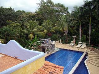 Beach Luxurious Jungle home, Santa Teresa