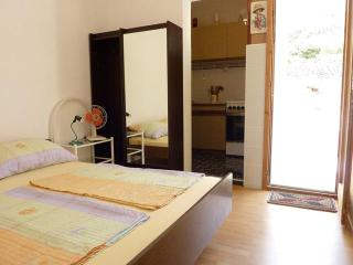 Apartments Cajner Pag - Ap2 (A2+2)