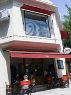 Viglio cafetaria and restaurant (4 blocks)