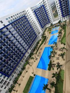 6 pools