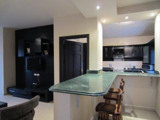 LUXURY VILLA 2 BD APARTMENT 5 STAR RESORT (10B2)