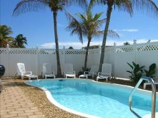 Huge Waterfront Gem Pool Spa Dock, Key Largo