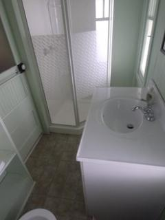 Second bathroom in main cottage