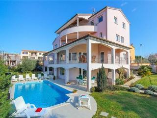 Villa in Pula, Istria, Stinjan, Croatia