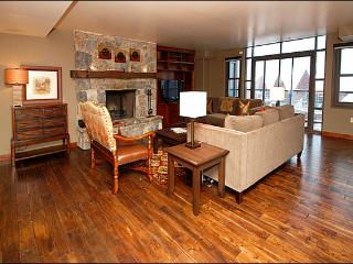 Gorgeous Penthouse Unit - High End Finishes and Appliances (24738), Park City