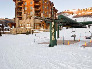 Gorgeous Escala Lodge Condo - Convenient Ski-In/Ski-Out Access (24953), Park City